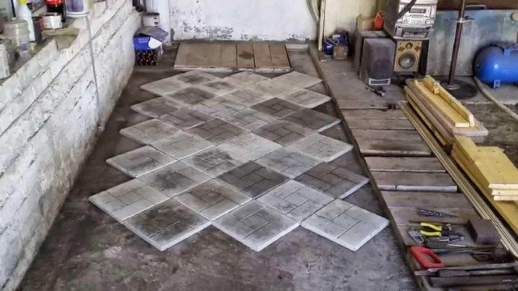 Укладка в гараже тротуарной плитки