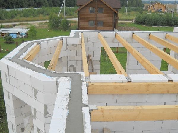 Делаем установку крыши