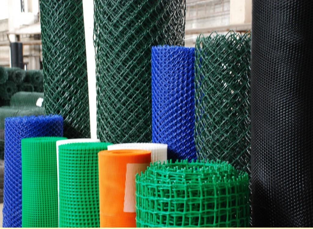 Производители предлагают большой выбор размеров полимерных сеток для стен любой толщины.