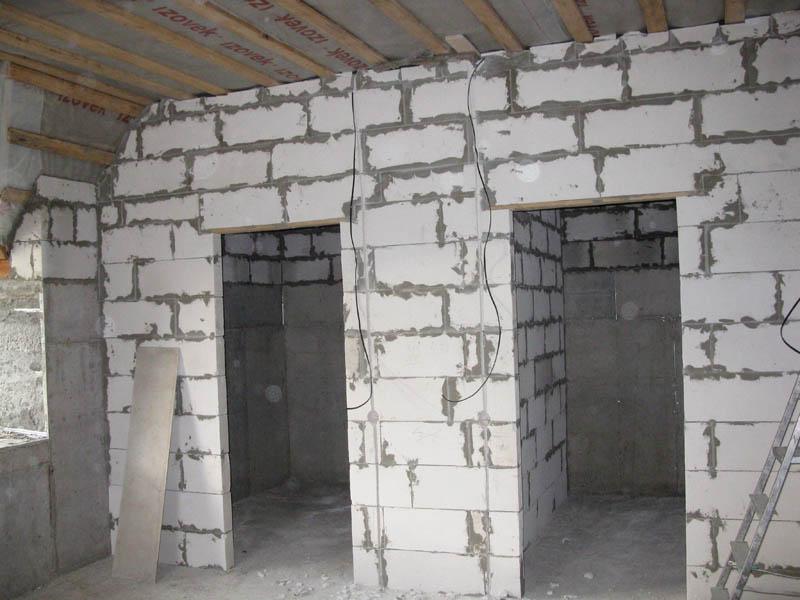 Применение для строительства санузла пеноблоков – отличный, недорогой вариант, который по силам даже непрофессионалу.