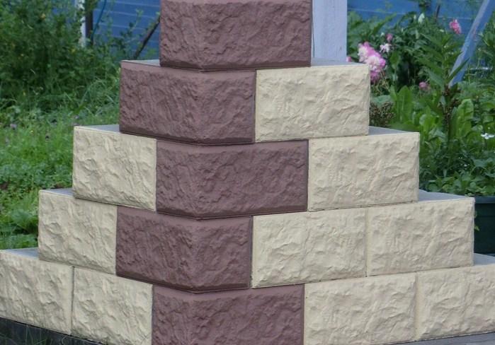 Водостойкий блок из ячеистого бетона с готовым декор-фасадом.