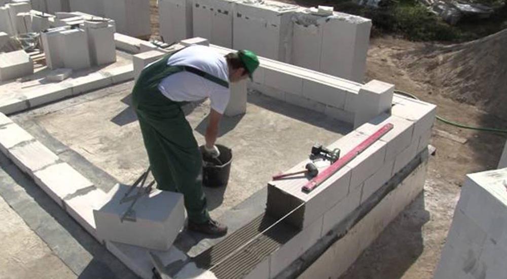 Как построить до из пеноблоков своими руками