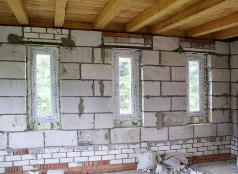 Чтобы построить ровную стену из таких блоков инструкция не нужна