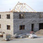 Строящийся дом из пеноблока