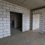 Внутренние стены из пеноблоков, уложенных на клей
