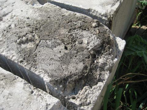 Разрушение пеноблока вследствие воздействия влаги