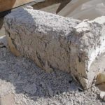 Блок, находившийся длительное время под воздействием влаги