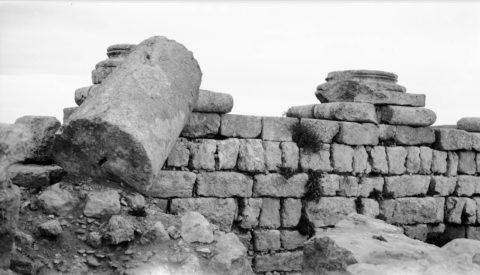 Пренебрежение в выборе качественного материала запросто может превратить строение в древнеримские развалины