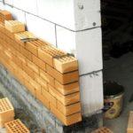 Облицовка кирпичом защитит блоки и улучшит внешний вид здания