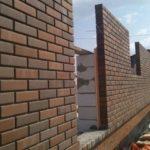Облицовка стен из ячеистого бетона производится с вентиляционным зазором