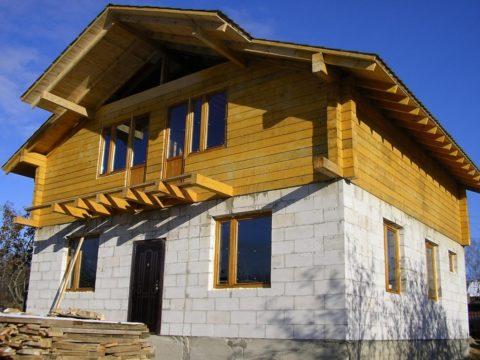 Дома из пеноблоков и деревянные