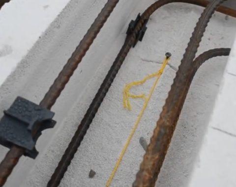 Разметка под установку шпилек с помощью шнура