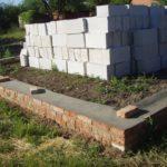 Фундамент для дома из пеноблоков: из чего возводить и какую конструкцию выбрать