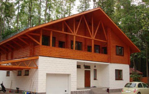 Загородный блочно-деревянный дом