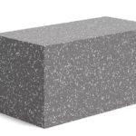 Блок из бетона с полистирольным наполнителем