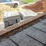 Стена из обычных блоков требует отделки и дополнительного утепления