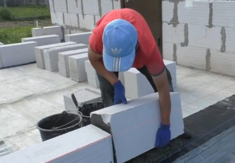 Укладка рядовых блоков