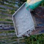 Для массивности полость трубы заливается мелкозернистым бетоном