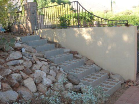 Симпатичная уличная лестница